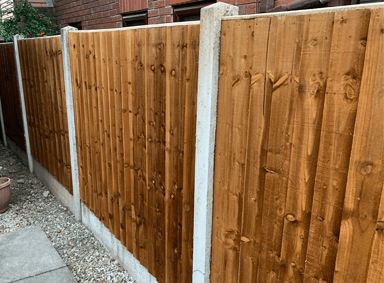 Wooden Fencing Peel Green