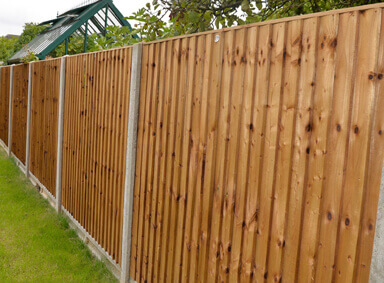 Fence Panels Reddish Green